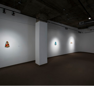 Installation shot of Leslie Wayne's Ragtime at SCAD's Trois Gallery, 2014.